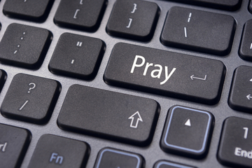 pray religion and social media online